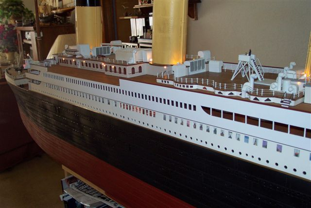 10 FT Model 1/87 scale 8