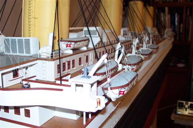 10 FT Model 1/87 scale 24