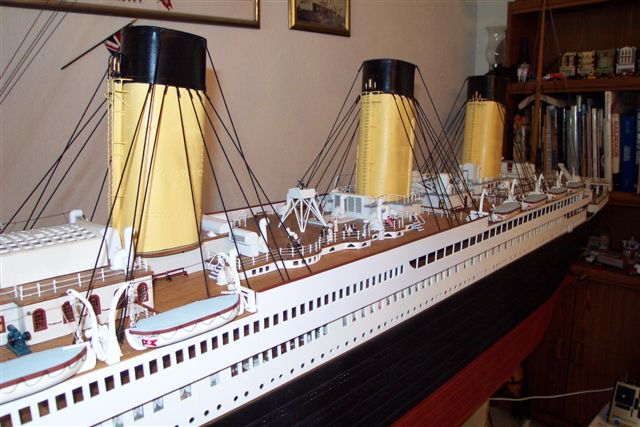 10 FT Model 1/87 scale 30