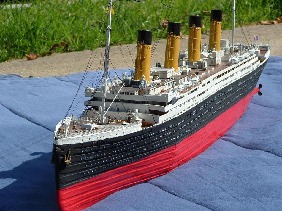 My brothers titanic model